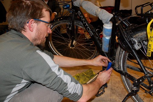 Packing A Bike For Air Travel: Taking The Pedals Off