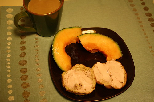cantaloupe, mini bagel w/ strawberry cream cheese