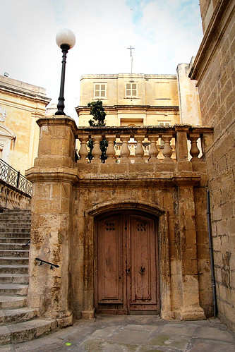 Stairs-door-Vittoriosa