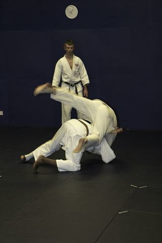 Richard throwing with seoi nage 2