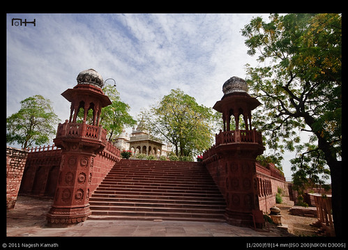 Climbing the steps to Jaswant Thada
