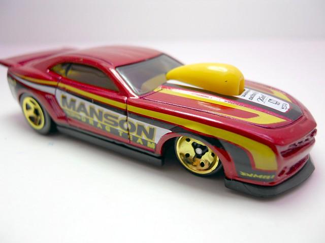 hot wheels '10 pro stock camaro red (2)