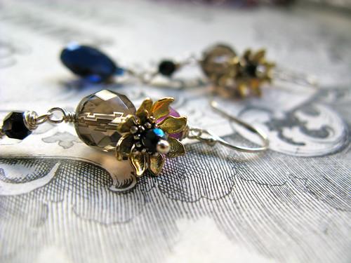 1935 earrings in indigo/lilac, detail