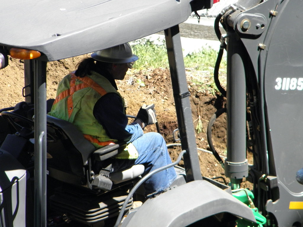 The dirt on load-lifting machinery