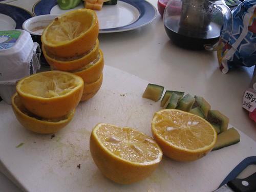 Breakfast prep: juiced oranges