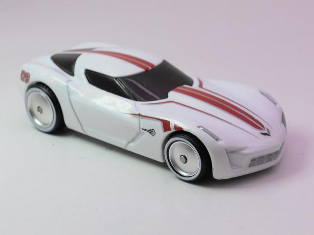 hot wheels garage corvette stingray concept wht (2)