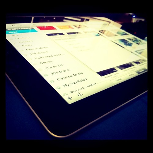 Ipad2 by bradaus