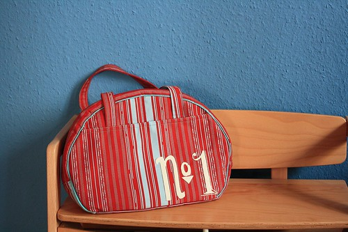 bag_giveaway_01