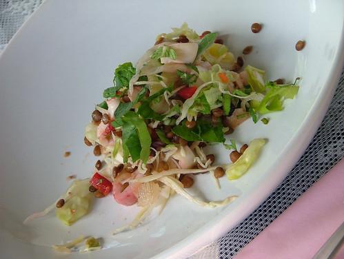 insalata di polipo, lenticchie e pera
