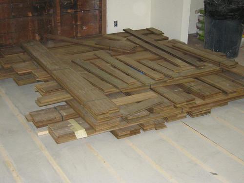 Ipê flooring is here!