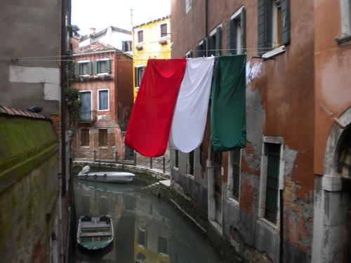 Italian pride, in bedsheets