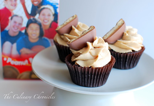 """""""Tagalong"""" Cupcakes"""