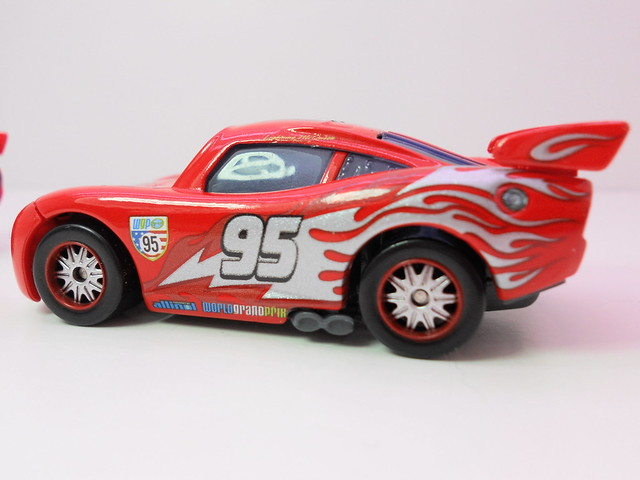 disney cars 2 finish line frenzy exclusives (5)