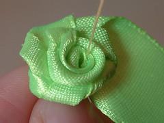 how to make ribbon roses-13