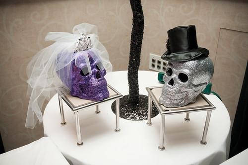 Sparkle Skull Bride and Groom