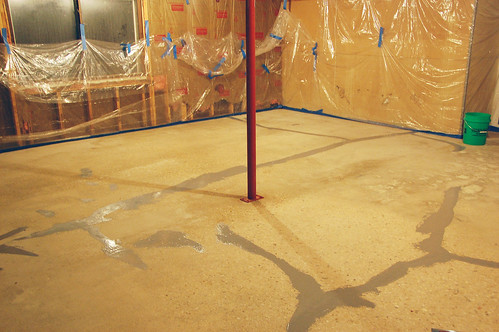 Applying Garage Floor Epoxy 3 Acres Amp 3000 Square Feet