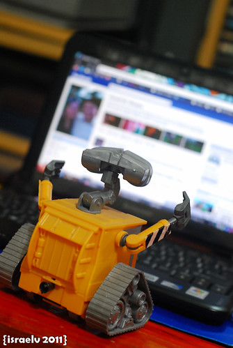 DAY 10 - WALL·E is online! by israelv
