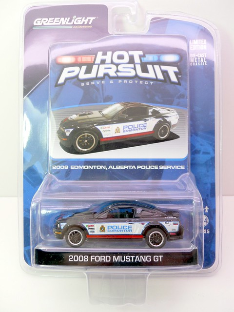 greenlight hot pursuit 2008 edmonton,alberta police service 2008 ford mustang gt (1)