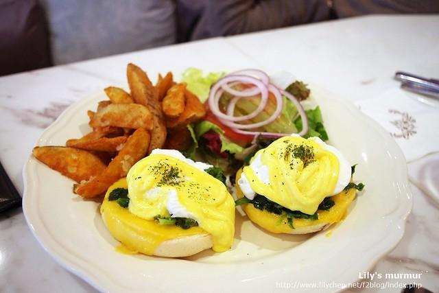 看起來也十分美味的菠菜起司班尼迪克蛋,據說是他們店內的人氣招牌。