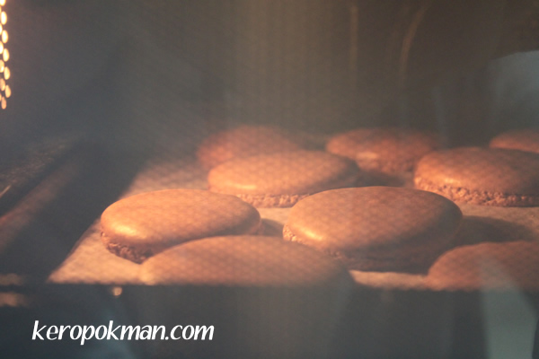 Macarons in the baking...