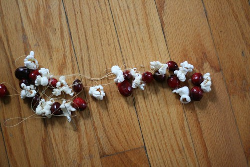 Advent Day 1 :: make popcorn garland