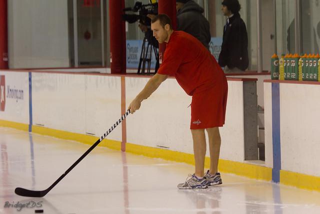 Brooks Laich från måndagens träning - Lite underdressed kanske? Foto:Bridget Samuels