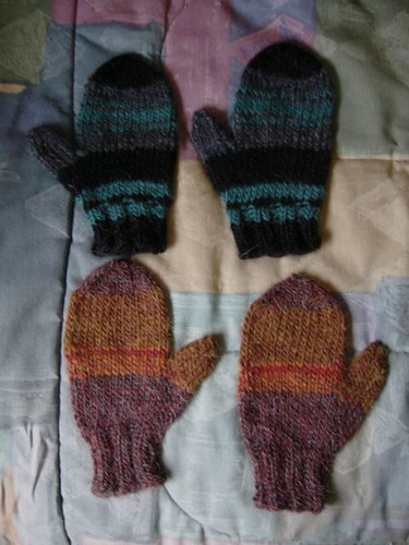 a4a youth stripy mitten1a