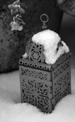 Lampe marocaine sous la neige