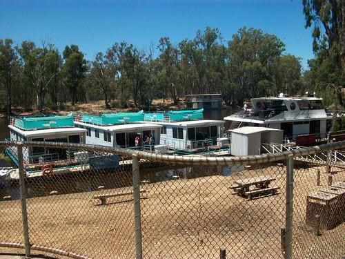 Houseboats at Echuca