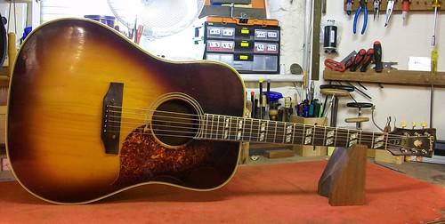 acoustic guitar modification   Graham Parker Luthier