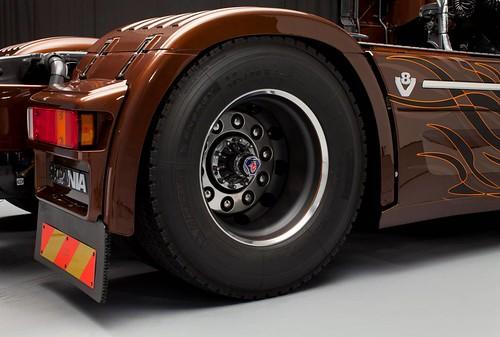 Scania Black Amber