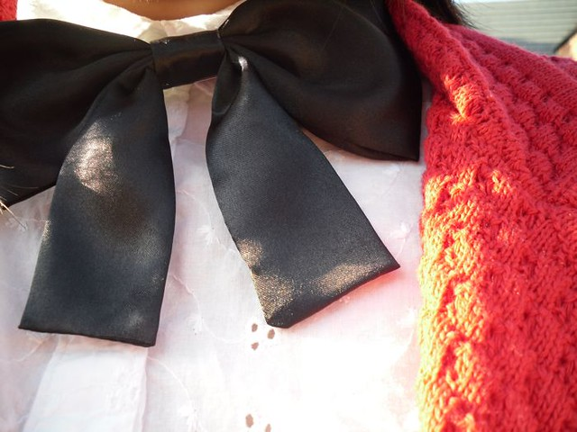 little black bow detail