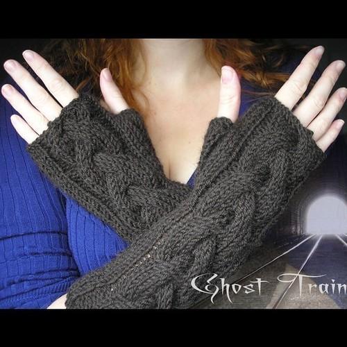 Etsy pixelatedmushroom Ghost Train Gloves Pattern $2.50