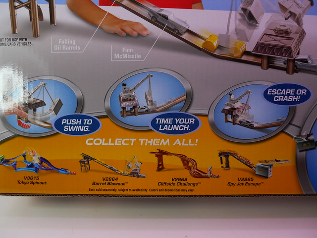 disney cars 2 barrel blow out track set (4)