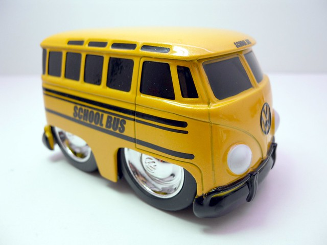 jada toys chub city 1962 volkswagen bus (2)