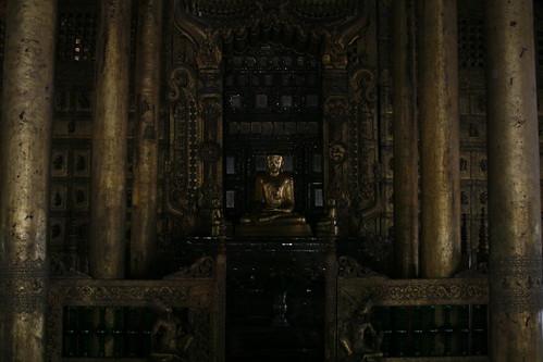 Buda dorado del Monasterio Shwenandaw