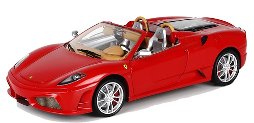 Ferrari 16 M High End 1-18
