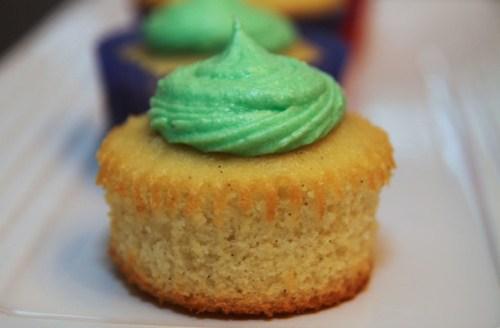 vanilla coconut cupcake