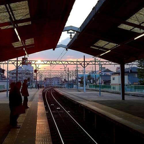 いまから電車乗って帰りまーす! 今日も一日、お疲れ様でした。 #evening