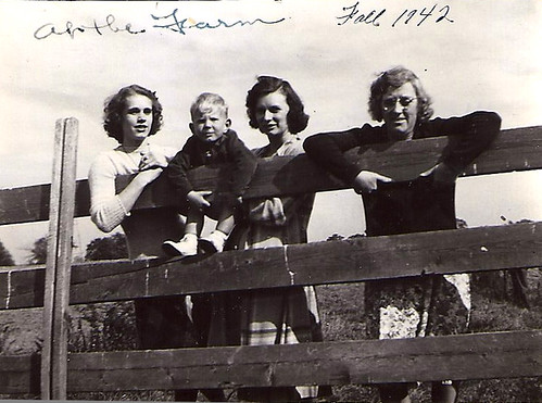 Betty, Donnie, Gertrude, Eva 1942
