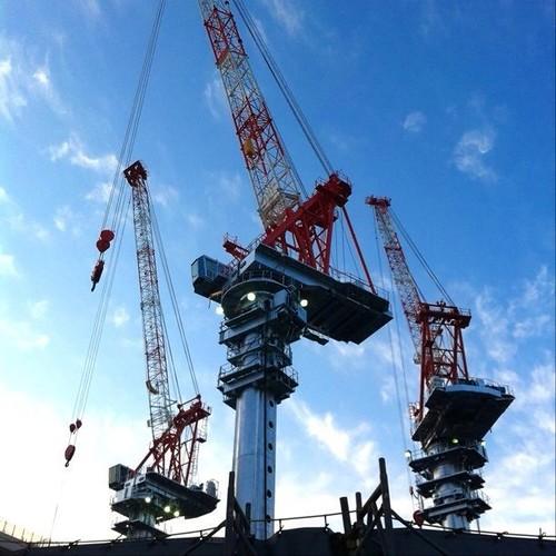 今朝のクレーン! すっげぇ、存在感! #crane #Osaka #Abeno