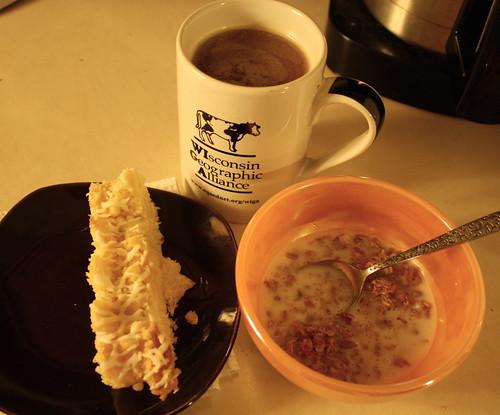 danish, coffee, granola