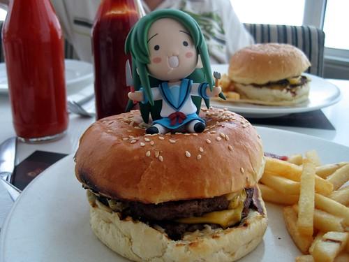 """Big Bite Burger"" by momonoji"
