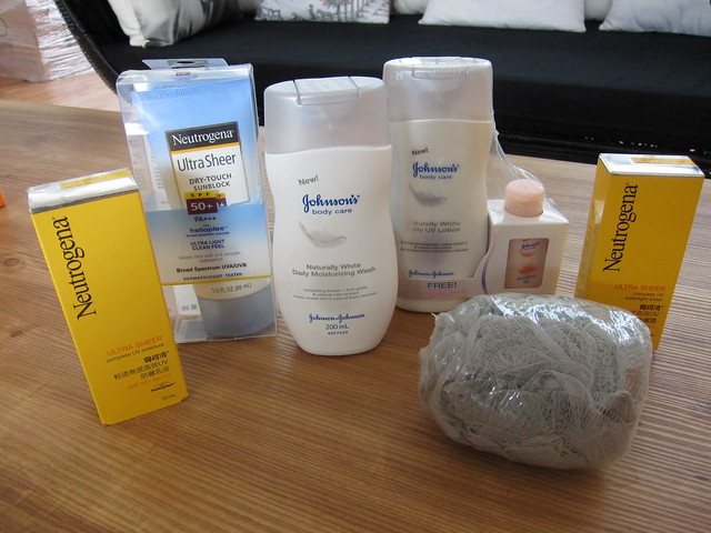 Neutrogena giveaways