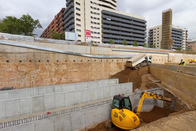 Completando colectores en zona Riera d'Horta - 13-04-11