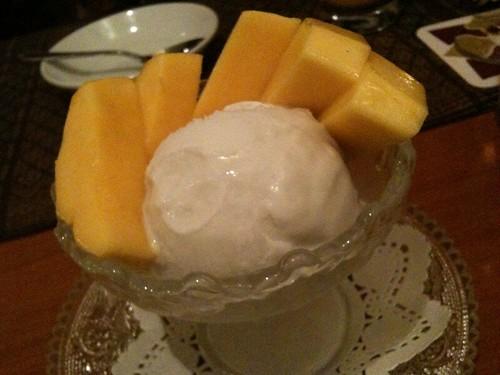 マンゴーとココナッツのアイス