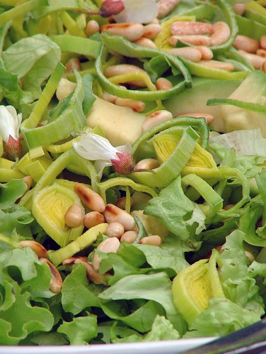 Avocado salad with pine nuts - insalata di avocado e pinoli