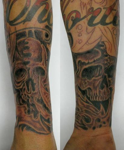Tatuagem Biomech Skulls Caveiras Biomecânicas Tattoo by micaeltattoo