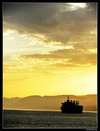 Gemiler kalkar yüreğimden... by Emine Okumuş