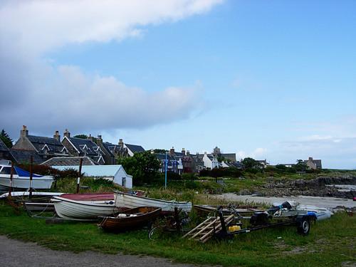Iona-boats-on-shore